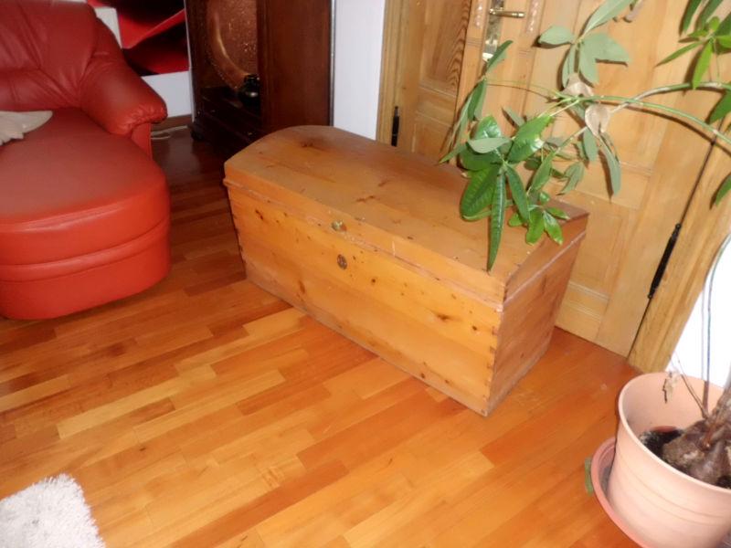 Holztruhe