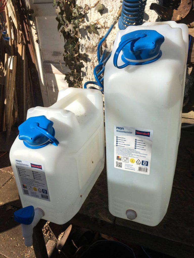 Wasserkanister für Garten
