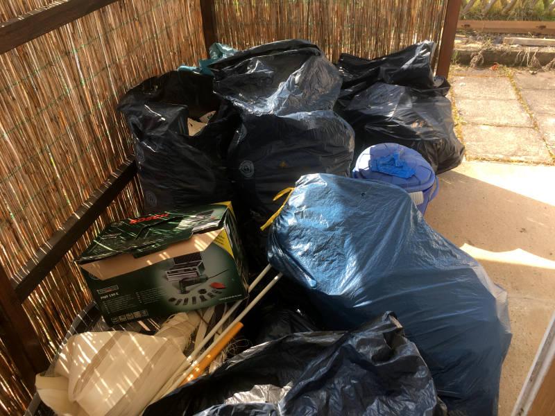 Müll im Garten